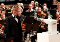 """THE DUAL ARMED ROBOT  """"YuMI"""" LEADS HUMAN ORCHESTRA"""