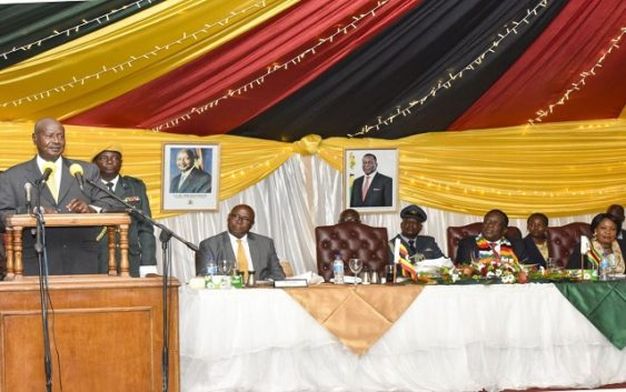 President Museveni in zimbabwe for trade fair officiating