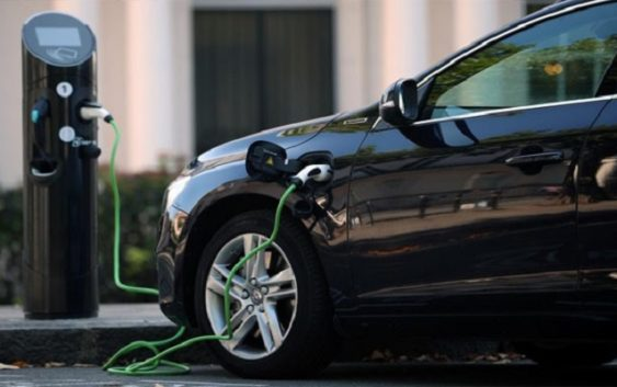 Electric car recharge card service launch in Egypt