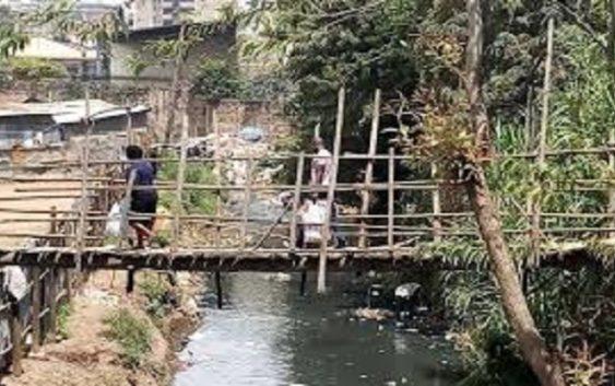 Mukuru slum bridge
